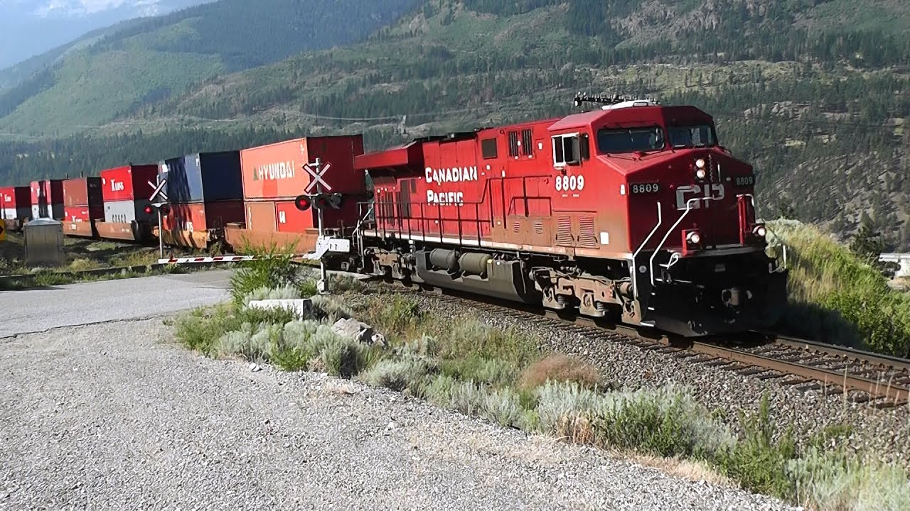 Canadian Pacific And Canadian National Railway Youtube