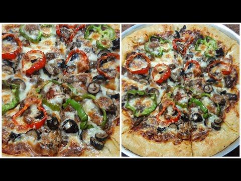 صورة  طريقة عمل البيتزا اسهل طريقة عمل البيتزا بالسجق🍕🍕 محشية الأطراف بالجبنة🧀 الخطيرة🔥 طريقة عمل البيتزا من يوتيوب