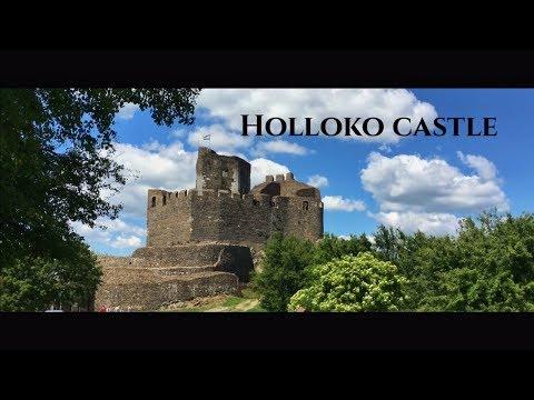 Castle Hollókő , Hungary ...
