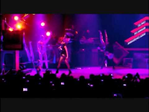 Rihanna Feat Jay Z - Live Your Life & Run This Town (Live) Subtitulado En Español