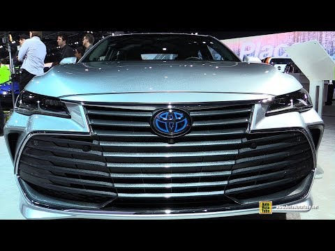 2019 Toyota Avalon Hybrid - Exterior and Interior Walkaround - 2018 Detroit Auto Show