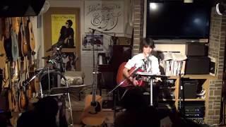 17年1月29日(日)広島のフォーク喫茶「置時計」にて♪ 白いギターと置時計...