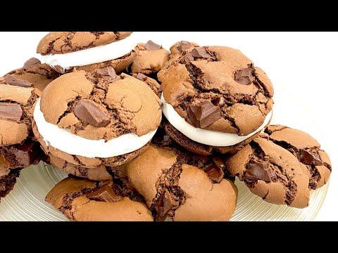 cookies-sandwichs-au-chocolat-et-À-la-creme-chantilly-une-bonne-recette-facile-et-rapide
