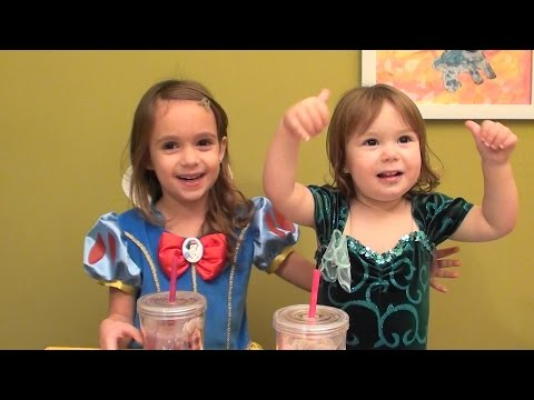 Princess Smoothie: Blueberry Banana Smoothie Recipe - Smoothies for Kids with Princess Snow White