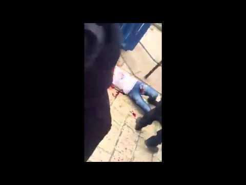 """שוטר מג""""ב פצוע קשה בפיגוע דקירה בירושלים, המחבל נורה ונטרל(21.6.15)"""