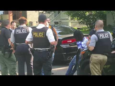 Carjacking suspect captured in Oak Park