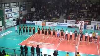 13-03-2011: Inno nazionale cantato a Castellana Grotte