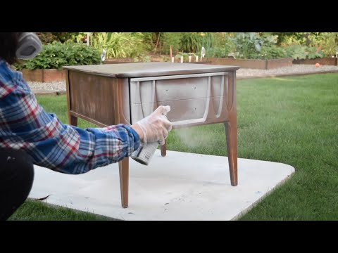 How to Paint over Laminate and Plastic Furniture