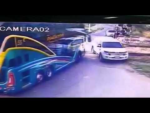 30 skadade i bussolycka