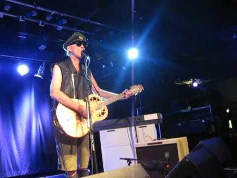 Julian Cope 'Robert Mitchum', live at Sub89, Reading 2012.