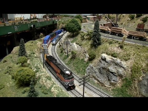 Thumbnail: HO Model Trains with Real Sound