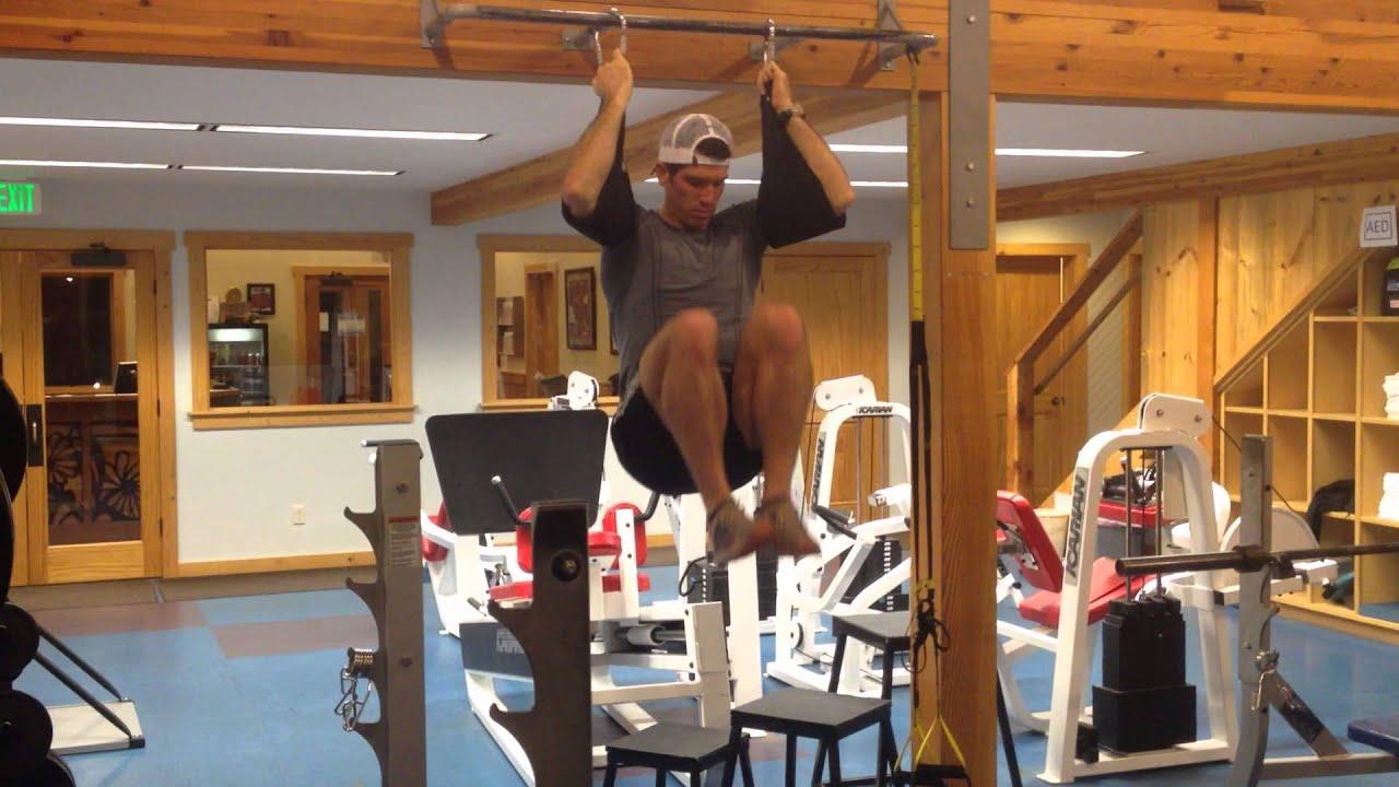 Hanging Leg Raise With Straps Hanging knee ra...