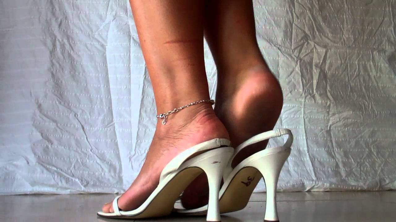 Jen S White Slingback Sandals And Rough Heels Youtube