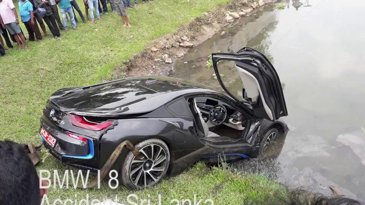 Bmw I8 Accident Youtube