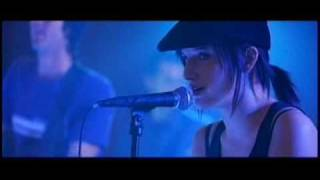 Ashlee Simpson - Undiscovered Clip