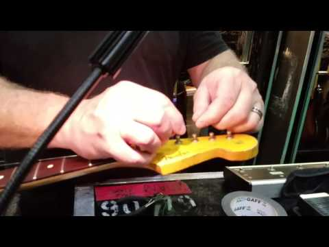 Dave Lee String Changing Technique for John Frusciante