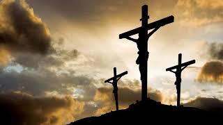 Ingenunchiat, in fata crucii stau