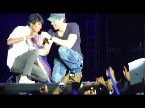 Enrique Iglesias - Stand By Me [Pune Concert - India] [Oct 2012]