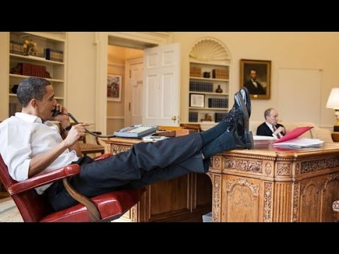 Thumbnail: Obama's photographer is trolling Trump
