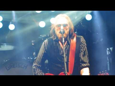 FREE FALLING TOM PETTY LIVE 2017 TAMPA