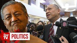 Come back to Umno, Tun M, says Nazri