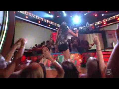 Miley Cyrus - Party in the USA - Live at...