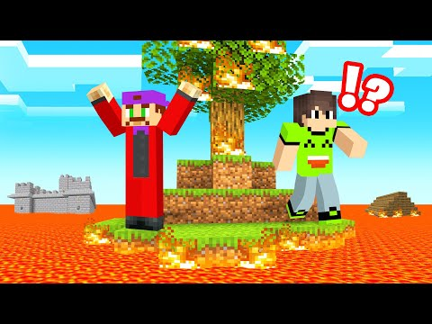 Playing THE FLOOR IS LAVA In MINECRAFT!