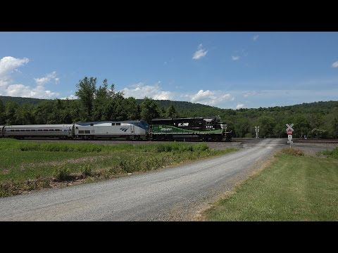 GP33ECO on the Amtrak Pennsylvanian