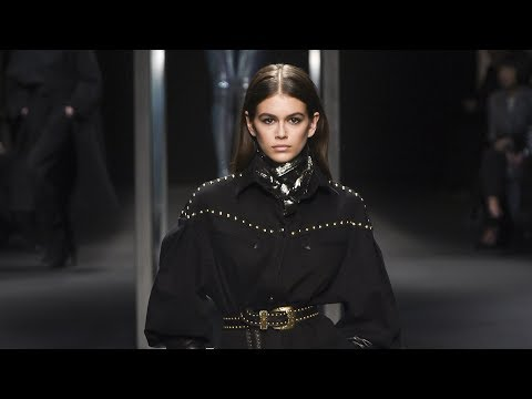 Alberta Ferretti Fall Winter 2018 Fashion Show