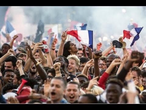 Franceses se reúnem no Centro de Paris para assistir jogo contra Bélgica   SBT Brasil (10/07/18)