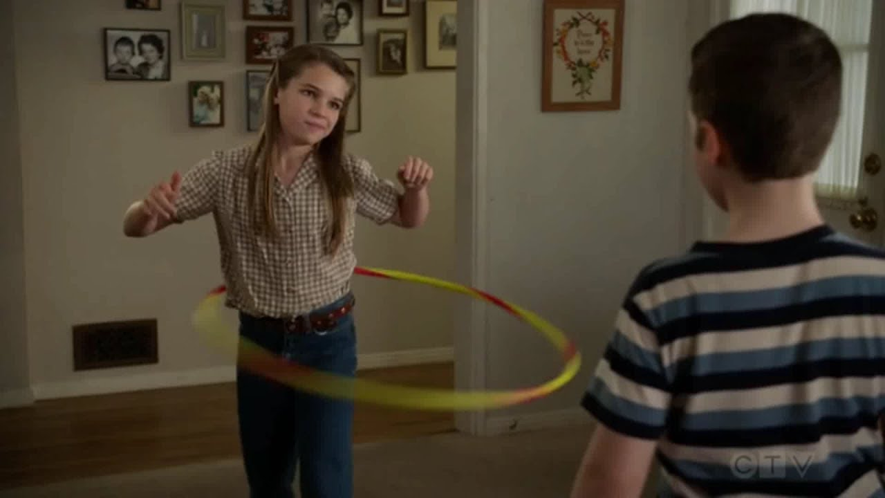Young Sheldon S03 E13 Rock Paper Scissors Candy Pony And Signing Contracts