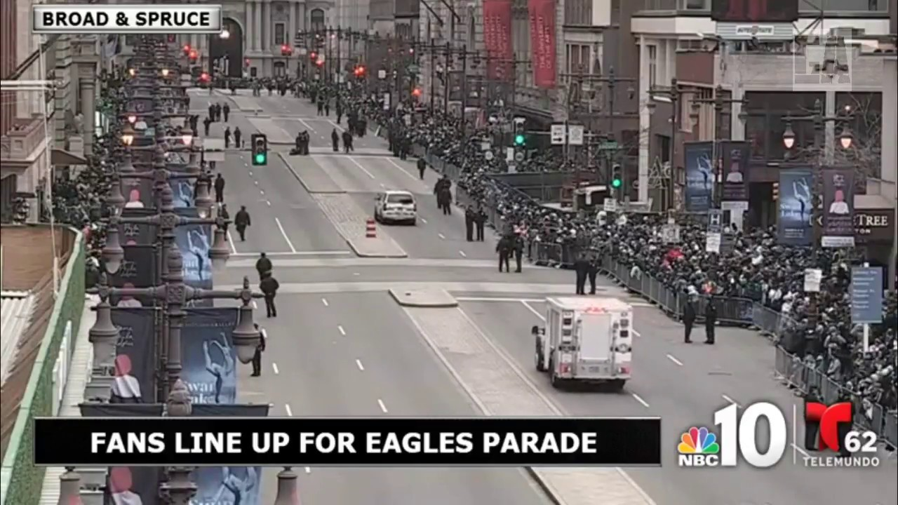 Live Broad Street Filling Up For Eagles Parade