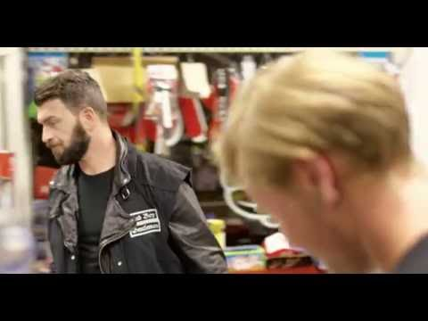 ROGERS - Mit dem Moped nach Madrid  (OFFICIAL VIDEO)