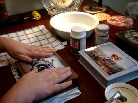 /Декупаж: клеим истонченное фото  на шкатулку,вместо распечатки или салфетки.