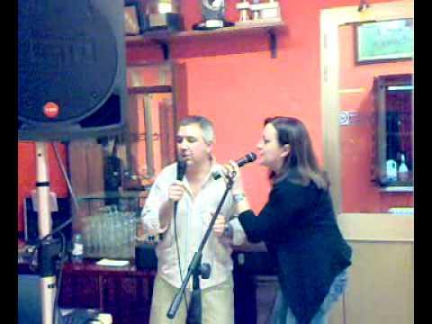 """salmarshall. Parma 21022010041.mp4 cena tra amici con karaoke. """"Tu sei l'unica donna per me"""""""