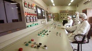 أخبار الآن - خبراء الأمم المتحدة يزورون مفاعل أراك النووي في إيران