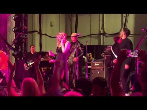 Smashing Pumpkins Love Will Tear Us Apart with Peter Hook Davey Havok Courtney Love 8/2/18 PNC NJ 4K