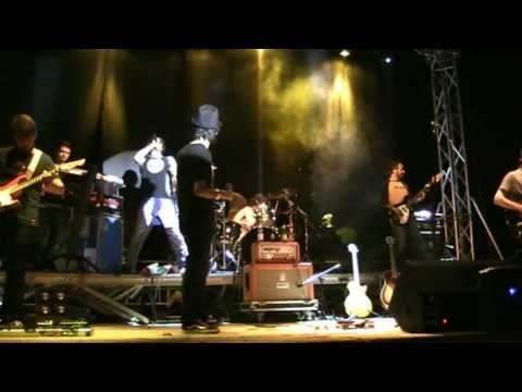 """""""NON GRADISCO"""" Bisignano 28-08-2010 FABRIZIO MORO v12 LIVE"""