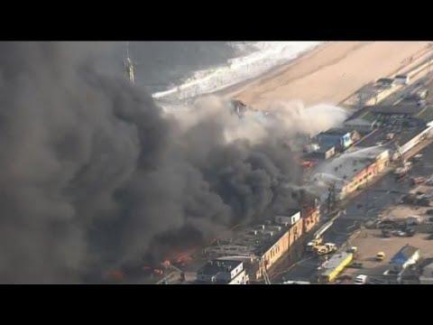 Fire rages in New Jersey beach resort
