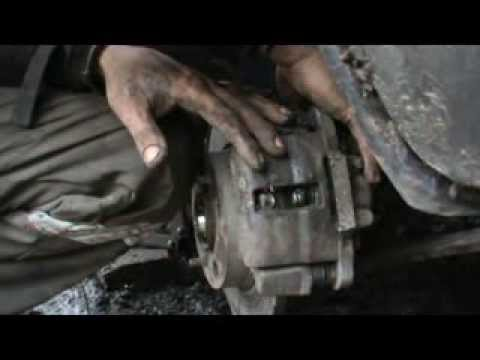 Cмотреть Как заменить гранату (шрус) и подшипник ступицы. Сделай Сам