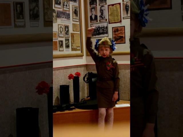 Изображение предпросмотра прочтения – ТатьянаЮрьева читает произведение «Баллада о Матери» А.Д.Дементьевa
