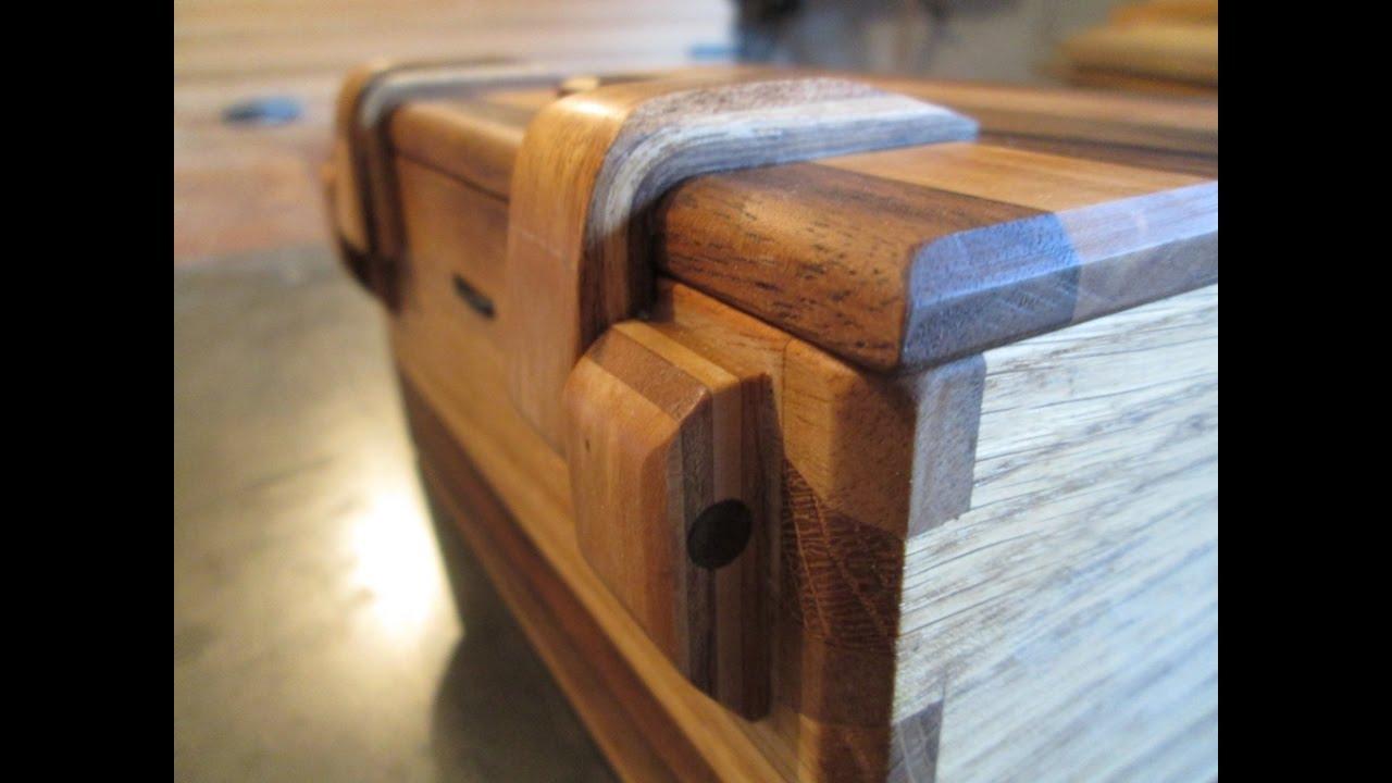 Orzechowa Szkatuła Z Drewnianymi Zawiasami Walnut Jewelry
