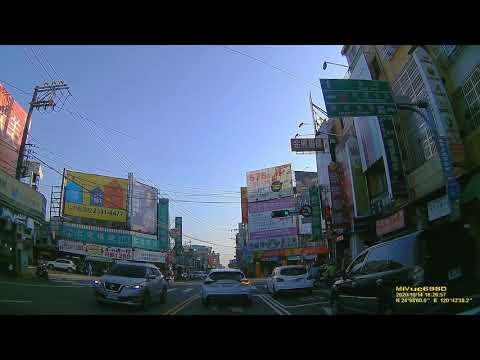 台灣永遠不缺不懂轉彎要先靠邊的駕駛