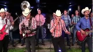 El Fantasma Ft. Banda Los Populares Del Llano - Mi 45 (En Vivo 2017)