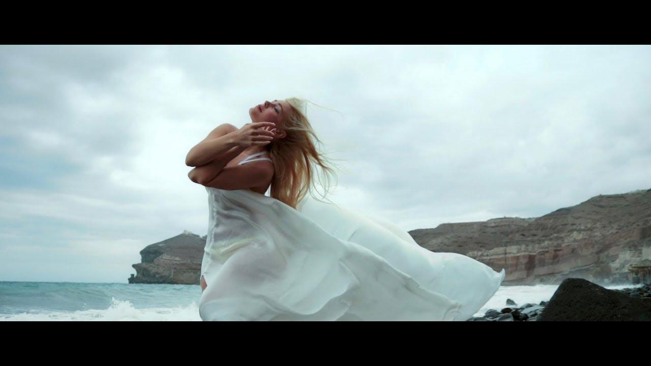 """Новиот спот на Викторија Лоба за песната """"Воздишка"""""""