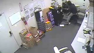 Armed Robber Gets Away With $9,000 From CVS In New York