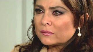 Triunfo del Amor | Victoria ve el crucifijo que le regalo a Juan Pablo