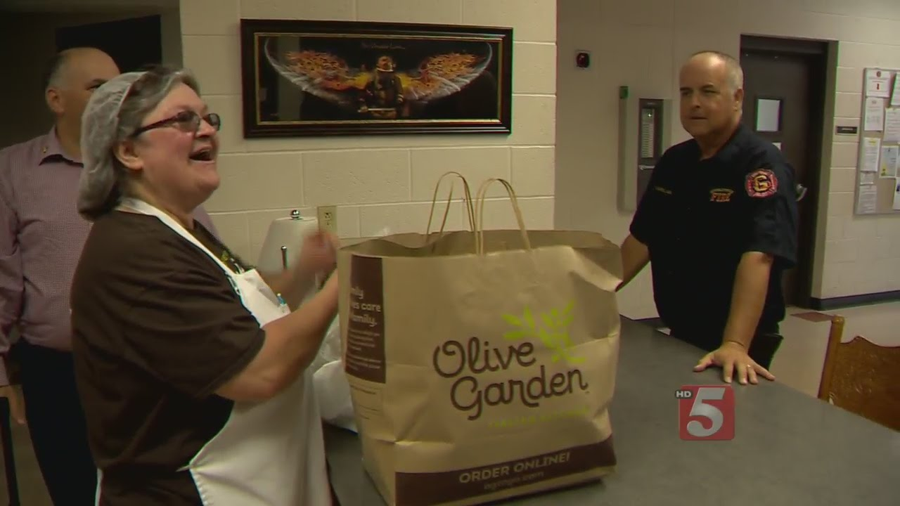 olive garden continues labor day tradition of delivering meals youtube - Olive Garden Jackson Tn