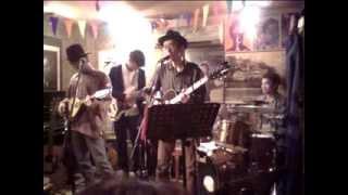 2013.10.13(日) ドライヴ with butti、井田征博 「Rocky Road To Dublin」 at フライアーパーク
