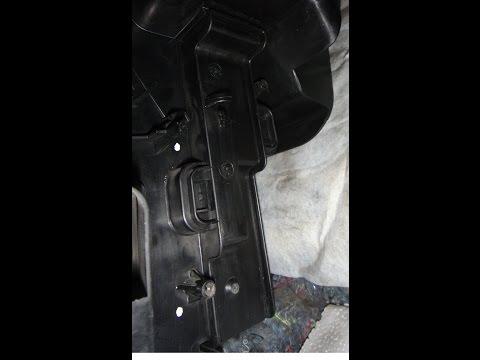 Самодельная заглушка для салонного фильтра Renault Logan 2014.